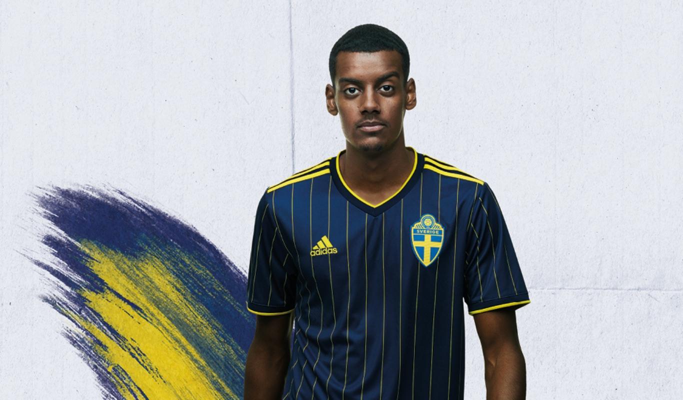 Alexander Isak, Fotboll, Svenska landslaget, Sverige